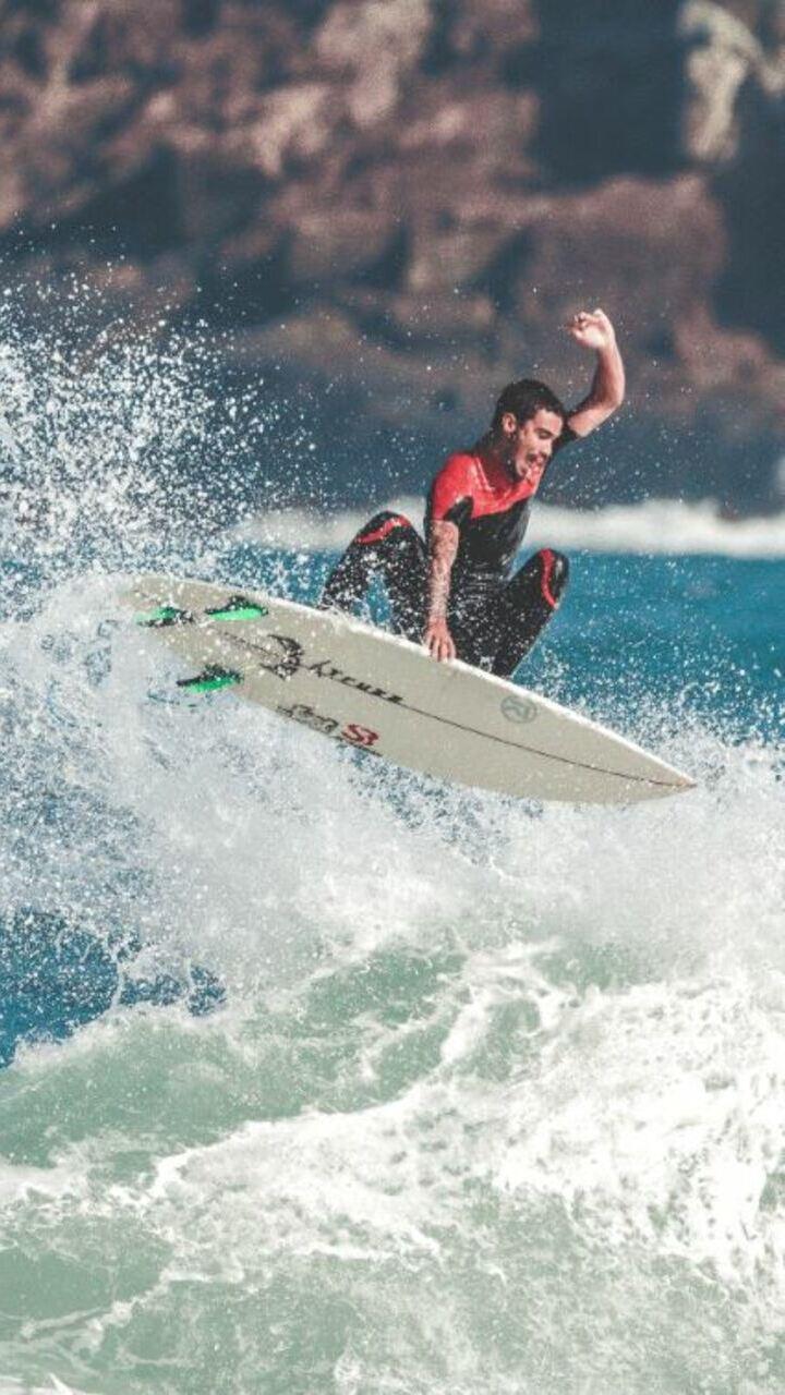 As 10 melhores praias do Brasil para surfar